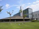 御前崎市立図書館(アスパル) 図書館と中庭